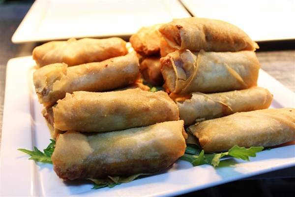 Dine with Us - Spring rolls